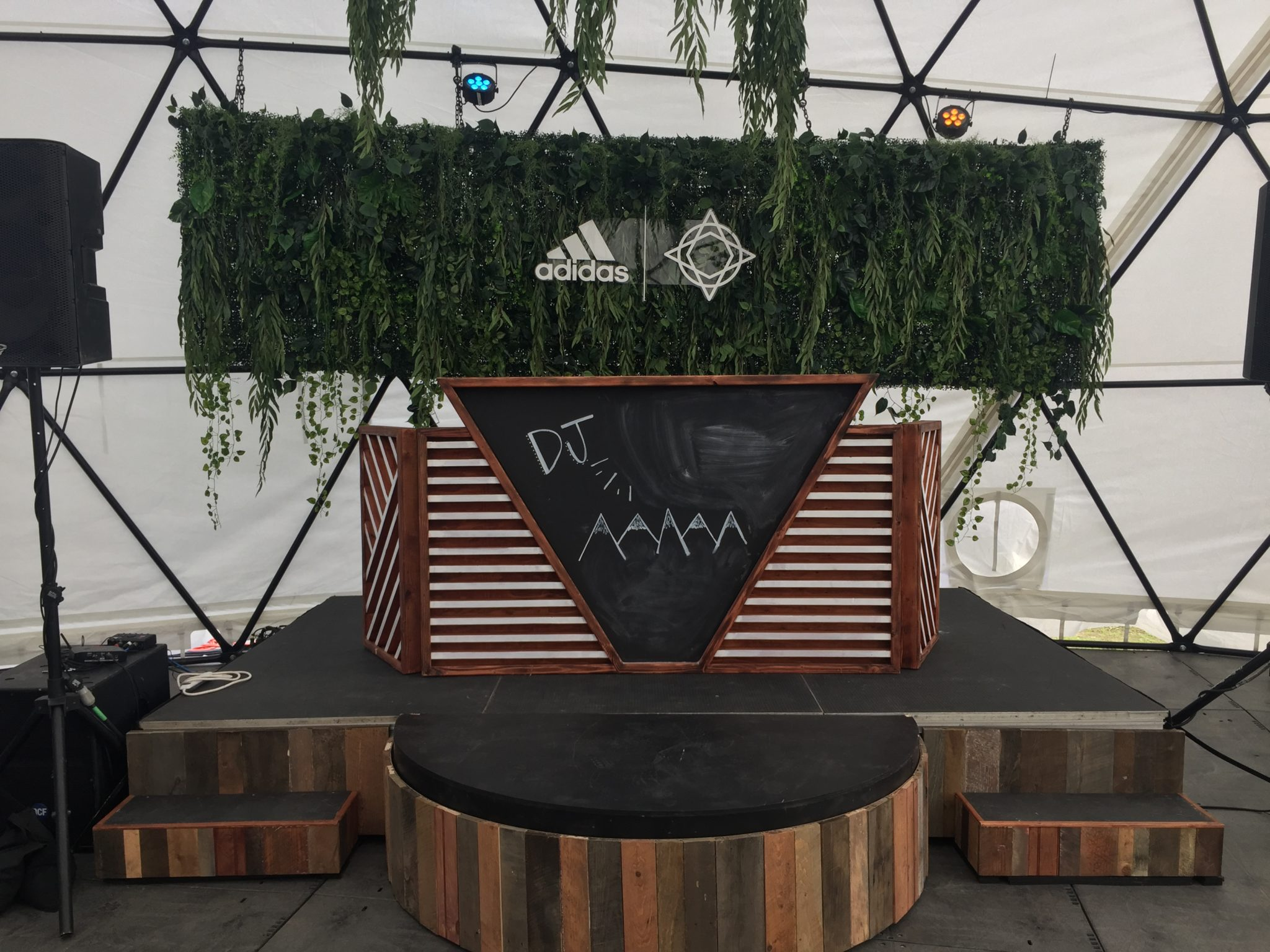 Reclaimed Dj Stage Arch Hawaii I Experiential Design